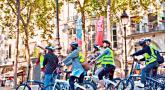 自転車で巡る パリ半日市内観光ツアー