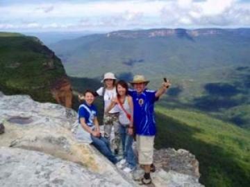 ジェノランケーブ鍾乳洞とブルーマウンテン+キングステーブルと野生のカンガルー探検