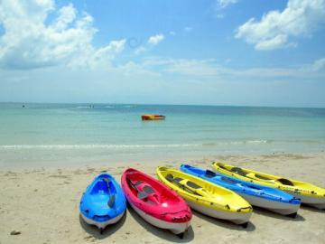 日本語ガイド付き 白砂の南国リゾートへ マリーンスポーツ満喫・ビンタン島