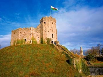 ヨーロッパで最も新しい首都・カーディフを訪れる!!ロンドン発カーディフ日帰りツアー