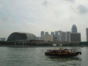 午前発!オープントップバスdeシンガポール観光&GWPの選べるランチ