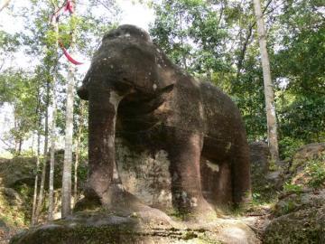 プノンクーレンの幻の象を見る