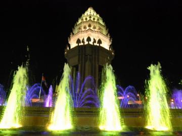 夜のプノンペン観光