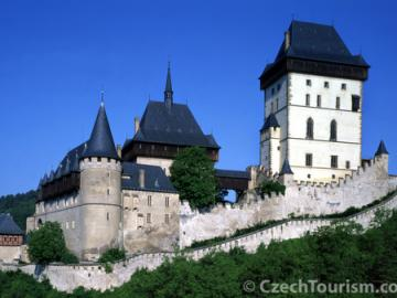 【期間限定4月~10月】チェコで最も美しい城を見よう!自転車で行く !カルルシュテイン城ツアー