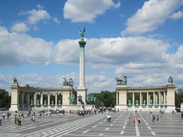 世界遺産の街ブダペスト 約3時間のお手軽市内観光ツアー