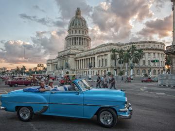 クラシックカーで楽しむハバナ観光?