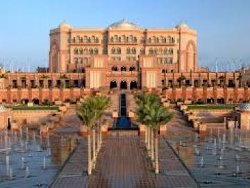 超豪華アブダビの7つ星ホテル「エミレーツ・パレス」のメザルーナイタリアンレストランでランチ!