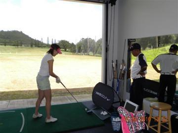 地元プロゴルファー.ケイシーナカマの日本語プライベートレッスン&ゴルフ