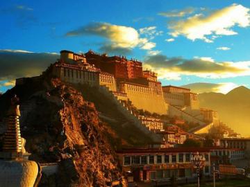 チベット・ラサ観光4日間(混載)
