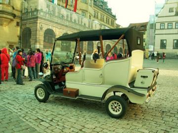 電気クラシックカーで旧市街を巡ろう