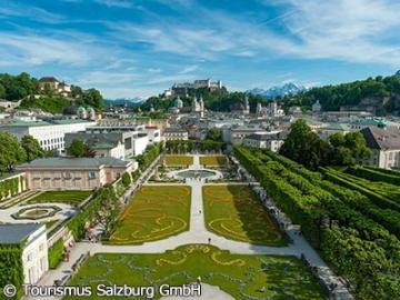 列車で行く 世界遺産ザルツブルクとザルツカンマーグート1日観光 昼食付き