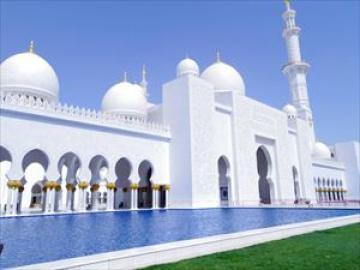 日本人ガイドと行くアラブ首長国連邦の首都アブダビ1日観光
