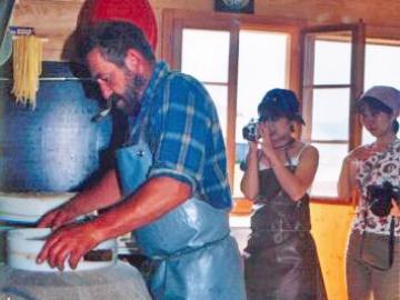 チーズ作り体験 世界にひとつだけのチーズを作ろう