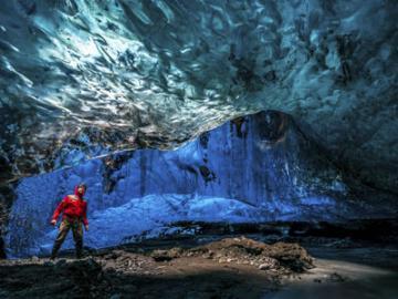 日本語ガイドと行く 氷の洞窟とアイスランドハイライトツアー  5泊6日