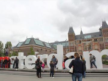 欲張りアムステルダム♪ 午前アムステルダム・ウォーキングツアー & 午後アムステルダム国立美術館 日本語ガイドがご案内
