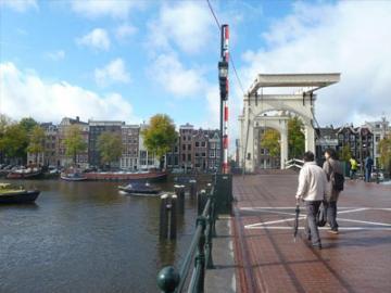 日本語ガイドと歩く アムステルダム・ウォーキングツアー