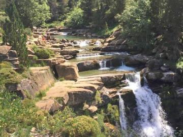 【プライベートツアー】 ピレネーを歩こう! オルデサ国立公園1日ハイキング
