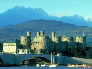 列車で行くウェールズ地方1泊2日 不思議の国ウェールズ完全版!ウェールズ4大名城とフォトジェニック・スポット満載の旅