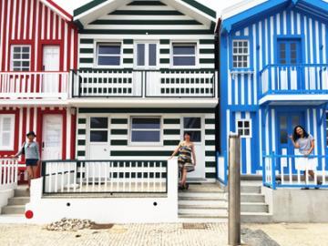 【12月23日・26日・30日・1月4日限定催行】 ポルトガルの美しい街へ オビドス、ナザレ、コスタノヴァ、アヴェイロ ~リスボン発 ポルト着~