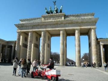 ベルリン探訪 よくばり午前ウォーキングツアー