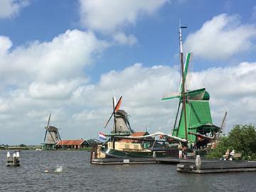 欲張りアムステルダム♪ 2大美術館と風車村ツアー 日本語ガイドがご案内