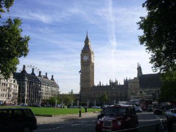 ロンドン市内と世界標準時の街グリニッジ半日観光 お得なロンドンアイ搭乗券付きプランもあり!