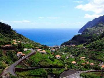 北部エリアと洞窟を巡る 1日観光