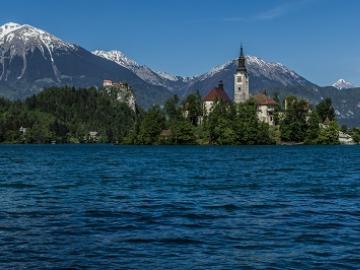 ザグレブからスロベニアのリュブリャナへ ブレッド湖の観光付