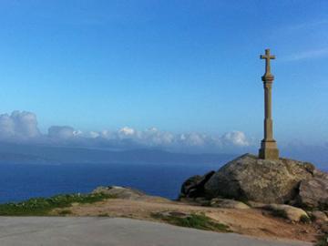日本語ガイドと行く 地の果てフィニステーレ岬と聖母伝説のムシーア海岸 1日観光 ~パワースポットを訪れる~