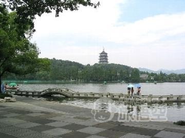 【ガイドが上海市内ホテルまでお迎え!】 新幹線で行く世界遺産の街 水の都「杭州1日観光」