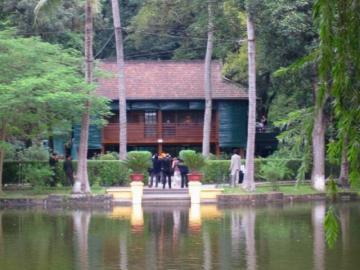 ハノイ市内&バチャン村観光 1日でベトナムの都市と郊外を満喫!