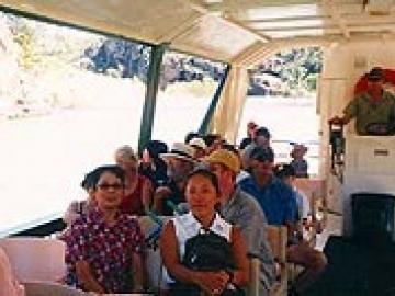 キャサリン渓谷とエディスフォールズ