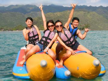 パラセイルとバナナボート・ツアー (昼食付き)