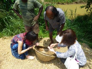 宝石の産地「ラトゥナプラ」1日観光ツアー<日本語ガイド/貸切チャーター>A16
