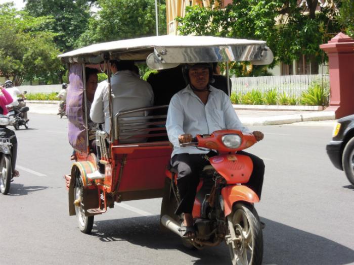 シェムリアップの交通事情の写真|ピックアップ! カンボジア 交通情報